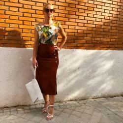 FD187 - Falda midi marrón...