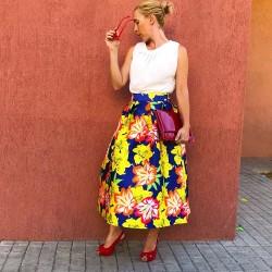 FD206 - Falda midi azulona...
