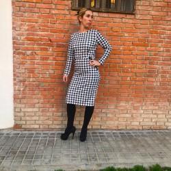 VES160 - Vestido recto pata...